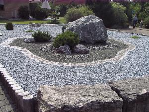 Ziersplittbeet Granit